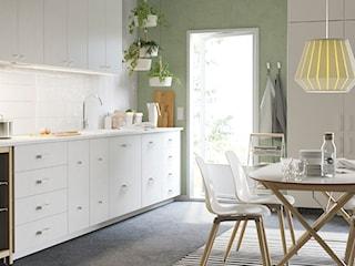 Biała kuchnia – jaki blat, jakie płytki, jakie dodatki?