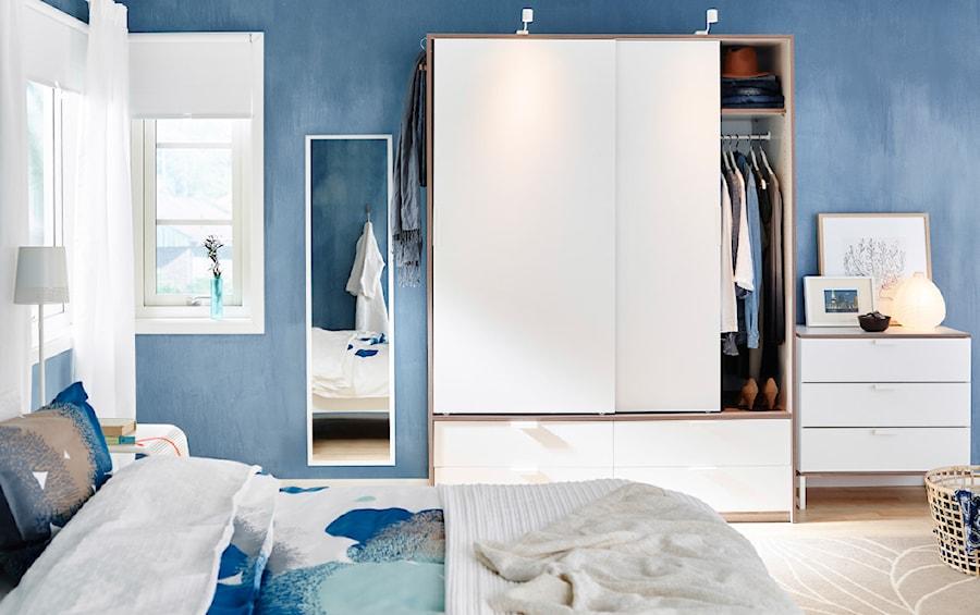 Aranżacje wnętrz - Sypialnia: Sypialnia IKEA - Sypialnia, styl nowoczesny - IKEA. Przeglądaj, dodawaj i zapisuj najlepsze zdjęcia, pomysły i inspiracje designerskie. W bazie mamy już prawie milion fotografii!