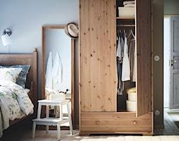 Sypialnia IKEA - Średnia sypialnia małżeńska, styl prowansalski - zdjęcie od IKEA