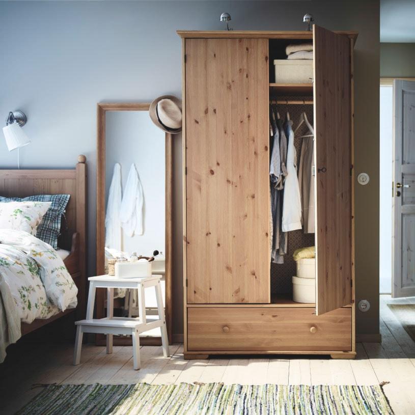Aranżacje wnętrz - Sypialnia: Sypialnia IKEA - Średnia szara sypialnia małżeńska, styl prowansalski - IKEA. Przeglądaj, dodawaj i zapisuj najlepsze zdjęcia, pomysły i inspiracje designerskie. W bazie mamy już prawie milion fotografii!