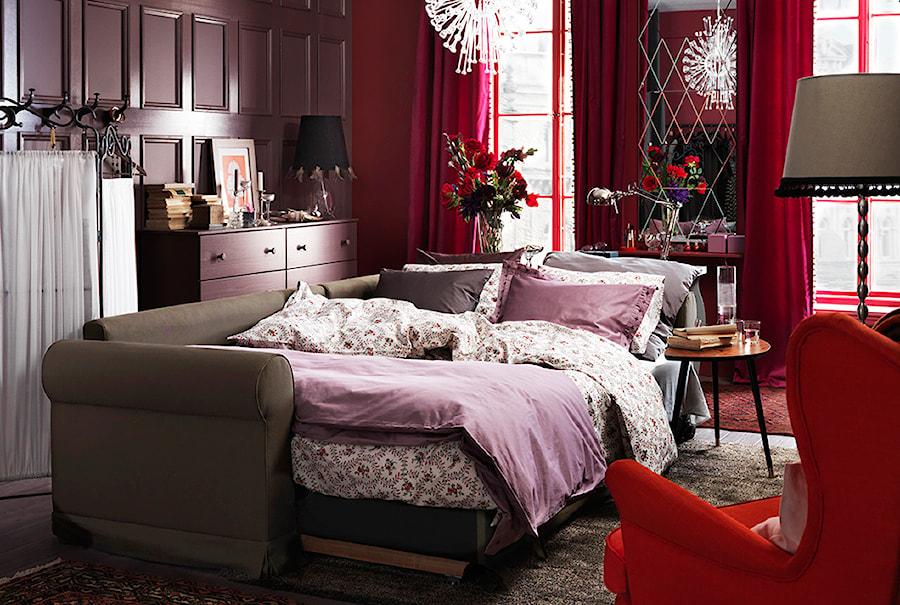 Sypialnia IKEA - Duża kolorowa sypialnia dla gości - zdjęcie od IKEA