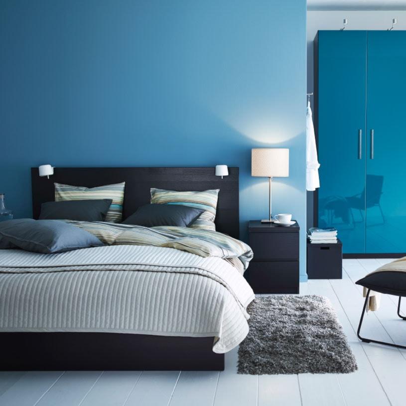 Sypialnia IKEA - Średnia niebieska sypialnia małżeńska - zdjęcie od IKEA