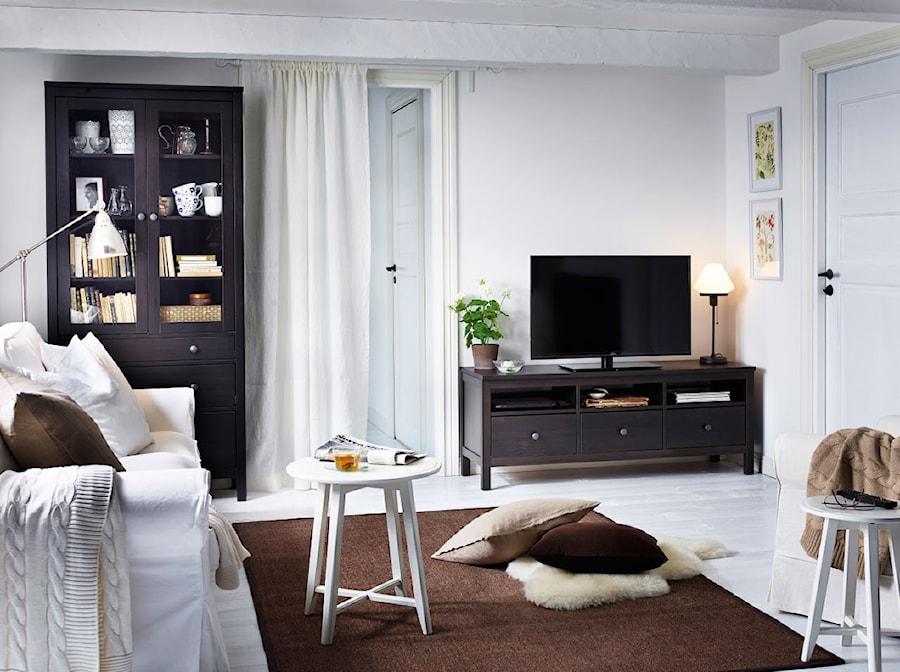 pok j dzienny ikea ma y bia y salon styl skandynawski zdj cie od ikea homebook. Black Bedroom Furniture Sets. Home Design Ideas