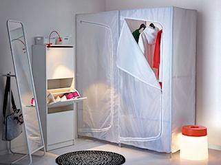 Szafa tekstylna – opinie. Kiedy szafy materiałowe sprawdzą się najlepiej?