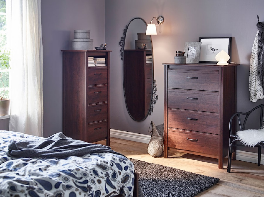 Sypialnia IKEA - Mała średnia szara sypialnia małżeńska, styl tradycyjny - zdjęcie od IKEA