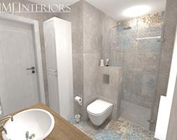 Sopocka kamienica w niebieskiej odsłonie - Mała szara łazienka na poddaszu w bloku w domu jednorodzinnym bez okna - zdjęcie od JMJ Interiors