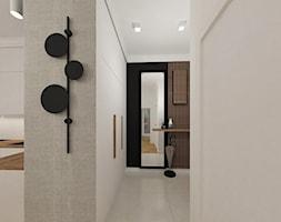 Elegancki przedpokój z drewnianymi lamelami - zdjęcie od JMJ Interiors - Homebook