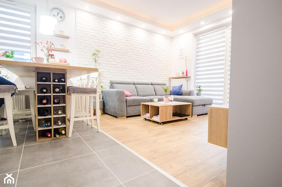 8 - Mały biały salon z jadalnią - zdjęcie od Meble Wiśniewski MEBLO-MARK