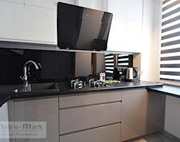 .4 - Mała kuchnia w kształcie litery l z oknem, styl nowoczesny - zdjęcie od Meble Wiśniewski MEBLO-MARK