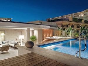 Cannes - Duży taras z tyłu domu - zdjęcie od Katarzyna Kraszewska Architektura Wnętrz