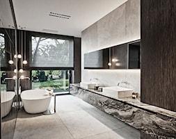Rezydencja pod Poznaniem - Duża łazienka w bloku w domu jednorodzinnym z oknem, styl nowoczesny - zdjęcie od Katarzyna Kraszewska Architektura Wnętrz - Homebook