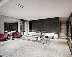Rezydencja pod Poznaniem - Duża szara brązowa sypialnia małżeńska, styl nowoczesny - zdjęcie od Katarzyna Kraszewska Architektura Wnętrz - Homebook