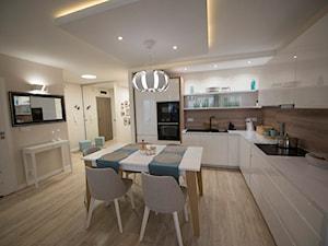 Salon z aneksem w stylu skandynawskim - Duża otwarta beżowa kuchnia w kształcie litery l, styl skandynawski - zdjęcie od YES4DESIGN