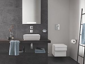 Klasyka i minimalizm - Średnia biała szara łazienka bez okna, styl minimalistyczny - zdjęcie od GROHE