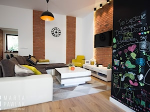 Dom Jednorodzinny w Brennej - Realizacja - Średni biały czarny salon, styl skandynawski - zdjęcie od MARTA PAWLAK ARCHITEKTURA WNĘTRZ