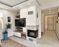 Dom Jednorodzinny Wisła 02 -realizacja - Mały biały salon, styl tradycyjny - zdjęcie od MARTA PAWLAK ARCHITEKTURA WNĘTRZ