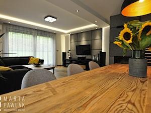 Dom Jednorodzinny Wisła - realizacja - Duża otwarta jadalnia w kuchni, styl industrialny - zdjęcie od MARTA PAWLAK ARCHITEKTURA WNĘTRZ
