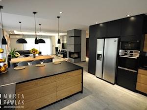 Dom Jednorodzinny Wisła - realizacja - Duża otwarta kuchnia w kształcie litery g z wyspą, styl industrialny - zdjęcie od MARTA PAWLAK ARCHITEKTURA WNĘTRZ