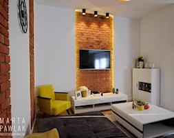 Dom Jednorodzinny w Brennej - Realizacja - Mały biały salon, styl skandynawski - zdjęcie od MARTA PAWLAK ARCHITEKTURA WNĘTRZ