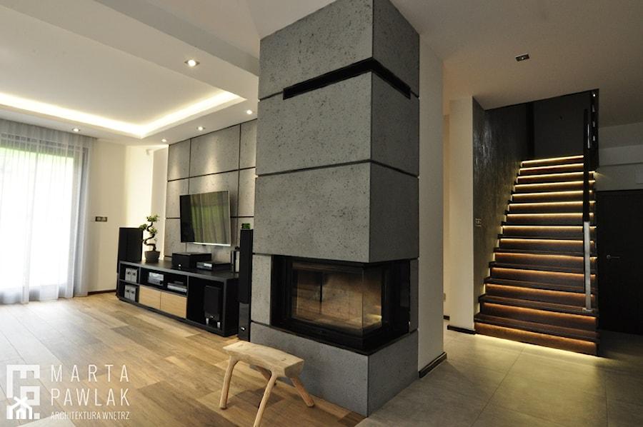 Dom Jednorodzinny Wisła - realizacja - Średni szary biały salon, styl industrialny - zdjęcie od MARTA PAWLAK ARCHITEKTURA WNĘTRZ