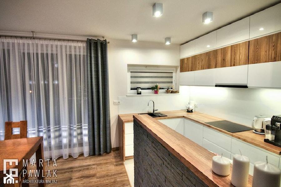 Mieszkanie Dąbrowa Górnicza - realizacja - Średnia duża otwarta biała kuchnia w kształcie litery l, styl nowoczesny - zdjęcie od MARTA PAWLAK ARCHITEKTURA WNĘTRZ