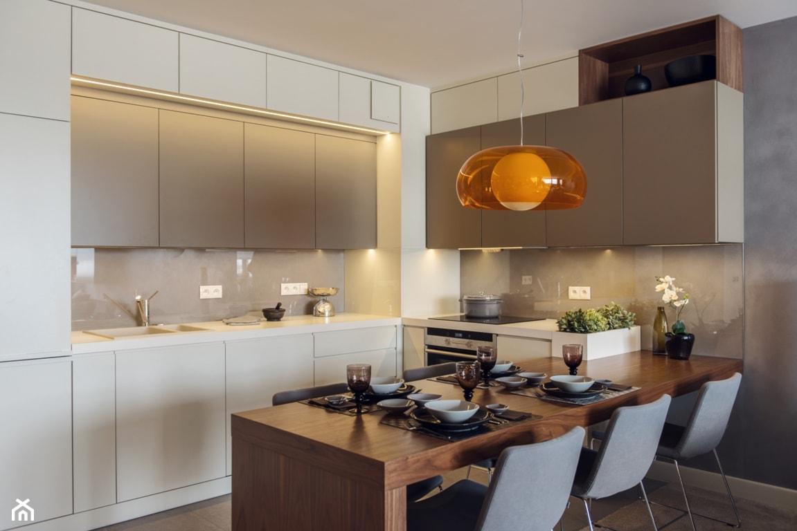 Mieszkanie w Gdyni 2013 - Średnia otwarta szara kuchnia w kształcie litery l w aneksie, styl nowoczesny - zdjęcie od formativ. kasia i michał dudko - Homebook