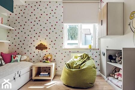 Jak udekorować ściany w pokoju dziecka - kropki i paski w aranżacji pokoju dziecka
