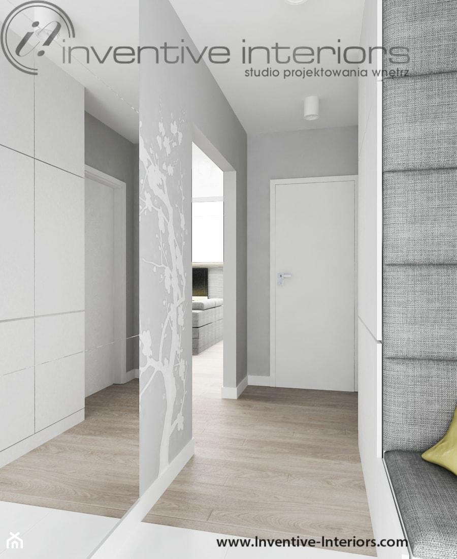 Biało Szary Przedpokój Zdjęcie Od Inventive Interiors
