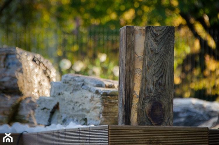 Oświetlenie do ogrodu Wood Light 01 - zdjęcie od Kamienie naturalne Chrobak
