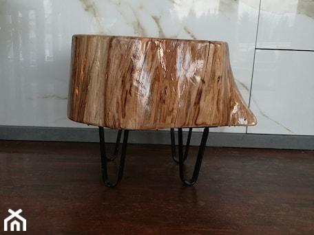 Aranżacje wnętrz - Hol / Przedpokój: oryginalny stołek drewniany - Kamienie naturalne Chrobak. Przeglądaj, dodawaj i zapisuj najlepsze zdjęcia, pomysły i inspiracje designerskie. W bazie mamy już prawie milion fotografii!