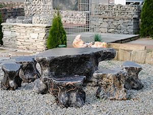 Meble ogrodowe wykonane z kamienia naturalnego