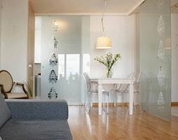 Apartament szaro-perłowy - zdjęcie od Magdalena Sobula Pracownia Projektowa Pe2