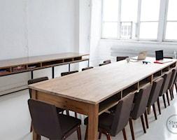 Studio fotograficzne Jasna Sprawa - Średnia zamknięta szara jadalnia jako osobne pomieszczenie, styl industrialny - zdjęcie od Studio R35