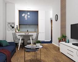 Fort S - Mały biały salon z kuchnią z jadalnią, styl glamour - zdjęcie od Studio R35