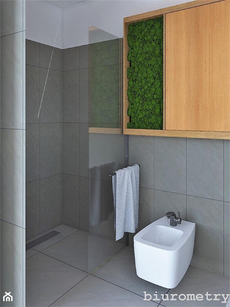 Łazienka 05 - Mała biała szara łazienka w bloku w domu jednorodzinnym bez okna, styl industrialny - zdjęcie od BIUROMETRY Szczecin architektura i wnętrza - Homebook