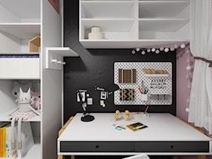 Pokój 7-letniej Julki - widok na biurko - zdjęcie od Drob Design