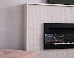 Giserska - Mały szary beżowy salon, styl nowoczesny - zdjęcie od na-antresoli