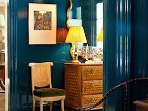 Meble połysk - Średni niebieski hol / przedpokój - zdjęcie od Katarina