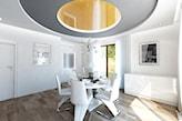 salon w stylu nowoczesnym z podwieszanym sufitem