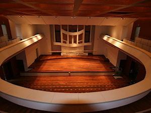 Realizacja podłogi drewnianej w Akademii Muzycznej w Poznaniu.