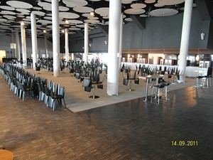 Realizacja parkietów na stadionie we Wrocławiu