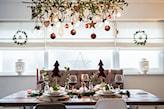dekoracja świąteczna nad stołem