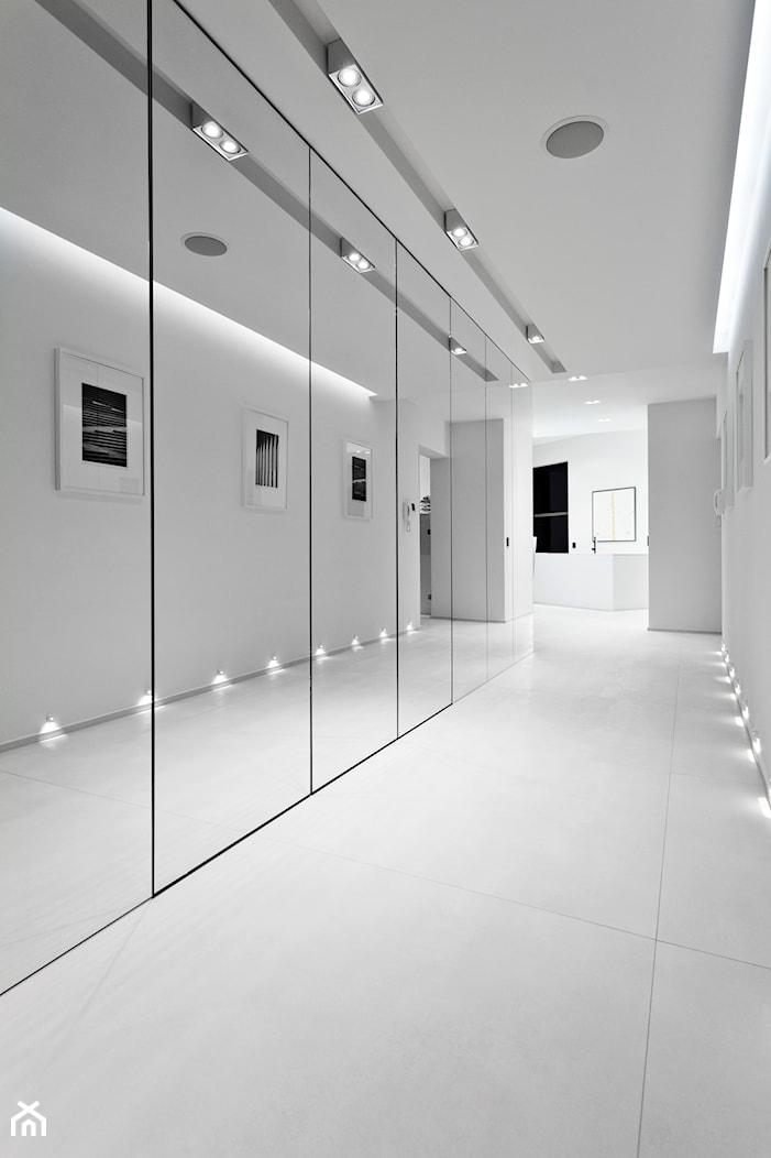 sea 11 - Średni biały hol / przedpokój, styl nowoczesny - zdjęcie od extravaganza | wiesia warszawska - Homebook