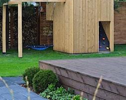 Minimalistyczny domek zabawowy dla dzieci, plac zabaw dla dzieci - zdjęcie od OGRODOWA AURA - Homebook