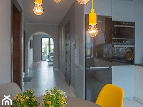 Aranżacje wnętrz - Kuchnia: Mieszkanie Siedlce - Kuchnia, styl nowoczesny - zaneta-jastrzebska. Przeglądaj, dodawaj i zapisuj najlepsze zdjęcia, pomysły i inspiracje designerskie. W bazie mamy już prawie milion fotografii!