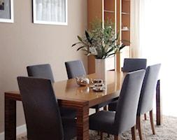 Średnia beżowa jadalnia w salonie, styl tradycyjny - zdjęcie od Ewelina Mąkosa - Interiors Creation
