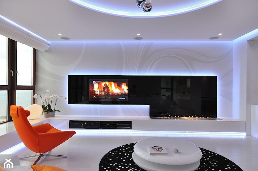 Apartament w Sea Towers - Średni biały salon - zdjęcie od Ministerstwo Spraw We Wnętrzach