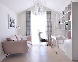 Orlove - Średnie beżowe biuro domowe kącik do pracy w pokoju, styl vintage - zdjęcie od Ministerstwo Spraw We Wnętrzach