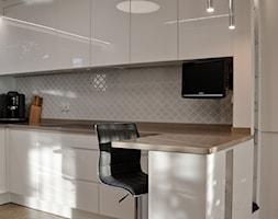 Home Staging - Gdańsk - parter domu - 50m2 - 2020 - Kuchnia, styl glamour - zdjęcie od Studio86 - Homebook
