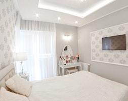 Mieszkanie - Albatross Towers Gdańsk - 74 m2 - 2016 - Mała szara sypialnia małżeńska, styl vintage - zdjęcie od Studio86
